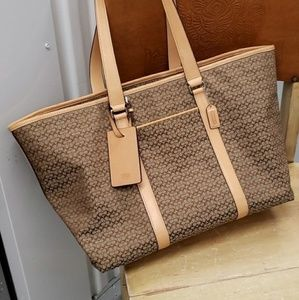 Louis Vuitton Bags - MOVING SALE. Keep calm and make me an offer!